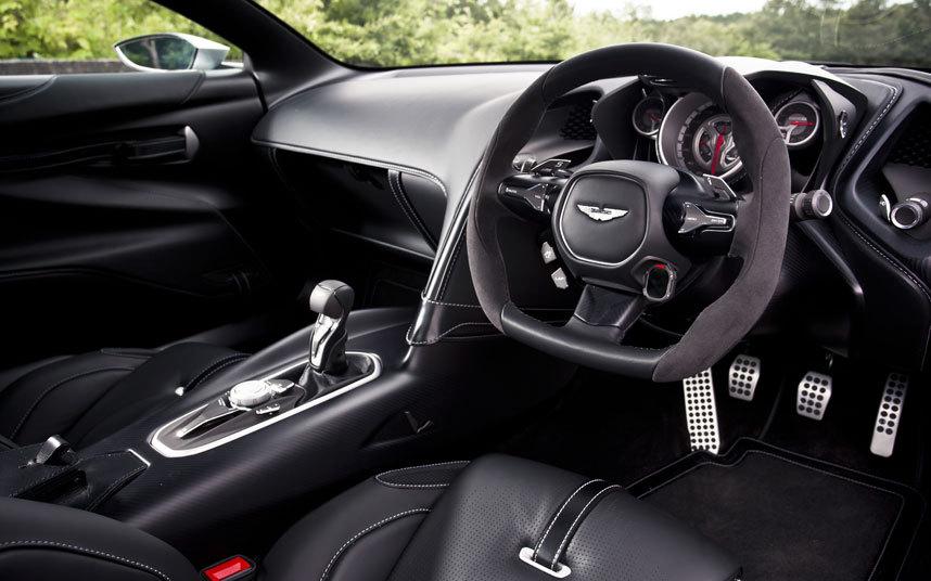 Aston-DB10-interio_3458762k